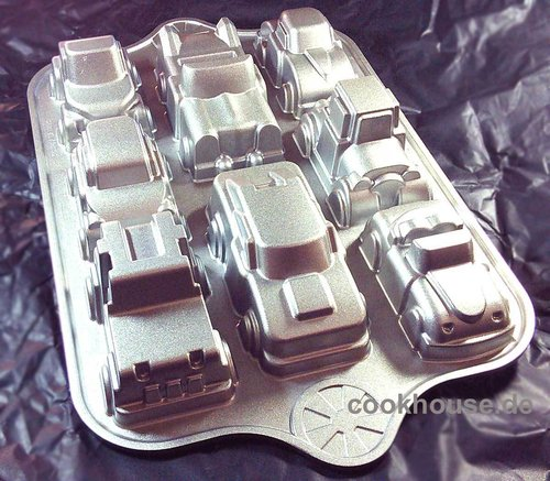 Nordicware® Backform Automobile